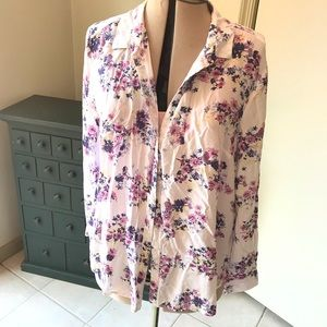 Flower 🌸 button blouse in soft cotton